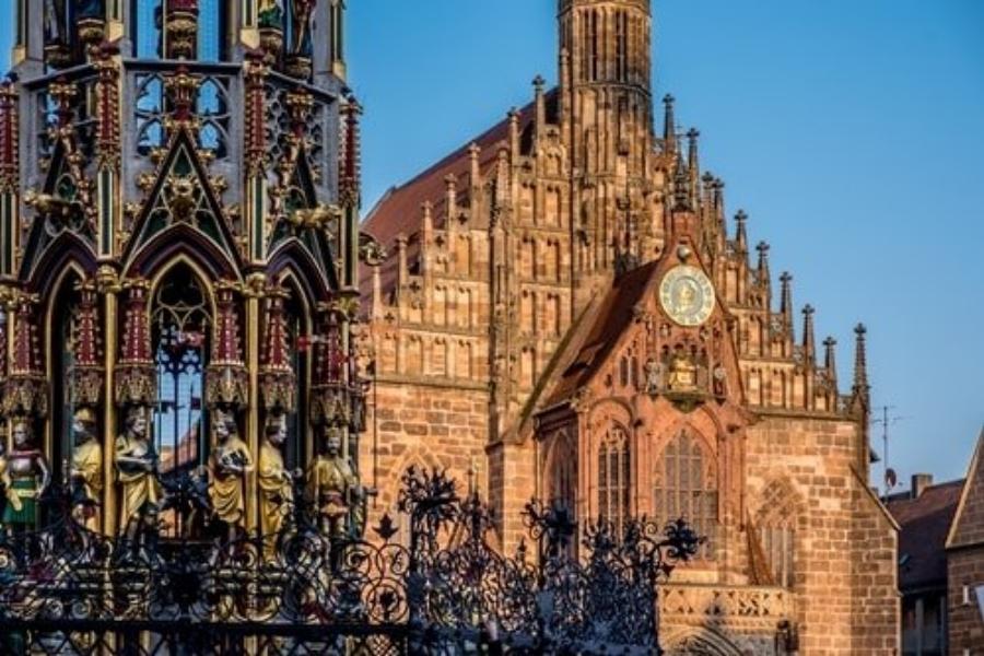 Nürnberg Frauenkirche 2 900x600