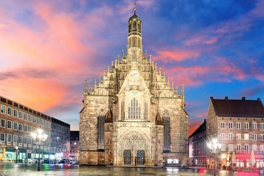 Nürnberg Frauenkirche 900x600